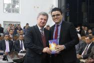 Pastor José Wellington Jr., presidente da CGADB, e o autor, Gutierres Siqueira